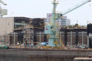 三菱重工ドック内の潜水艦